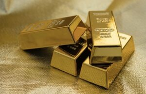China counterfeit gold scandal Wuhan Kingold Jewelry fake bars loans